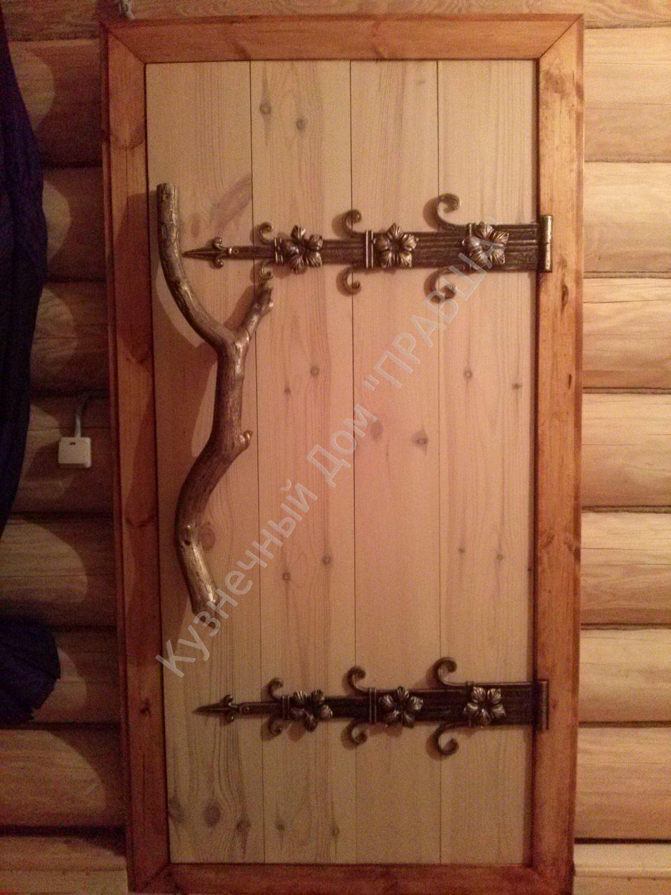 кованые петли для дверей фото